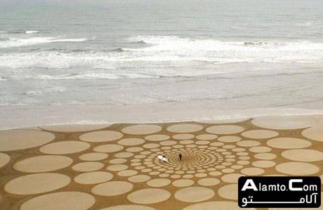 هنرنمایی بر روی شن های ساحل