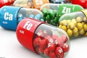عوارض و خطرات ویتامین های مکمل