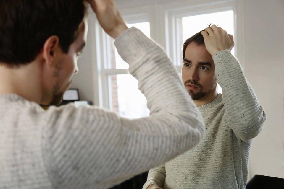 علت صحبت كردن با خود و 9 راه جلوگیری از آسیب آن